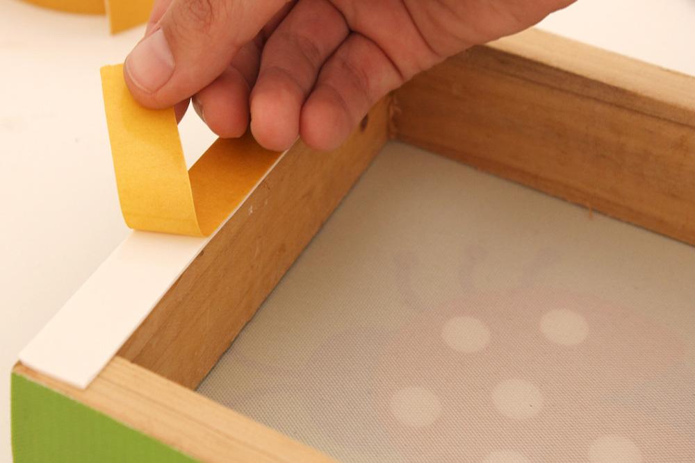 Colgar un cuadro sin hacer agujeros