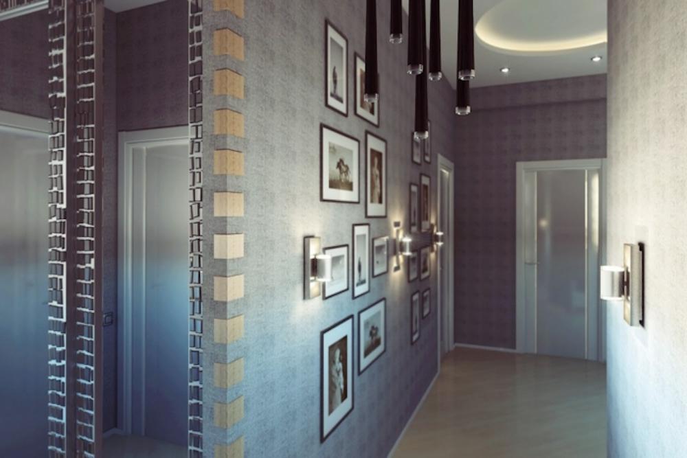 colgar varios cuadros en el pasillo